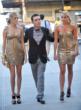 Illustration for article titled Chuck Bass Spotted With Some Golden Girls