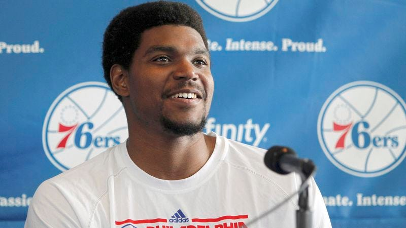 Illustration for article titled Andrew Bynum Admits Pain In Knees Small Price To Pay For Philadelphia Fans' Misery