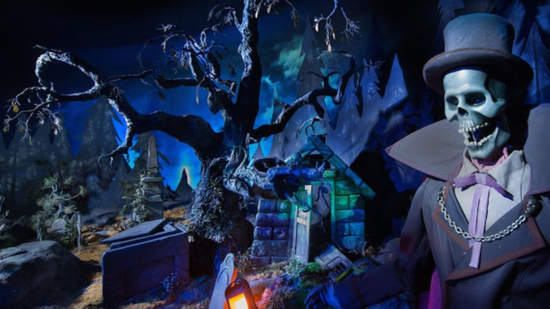 Illustration for article titled Disneyland Paris Employee Found Dead in Theme Park Haunted House