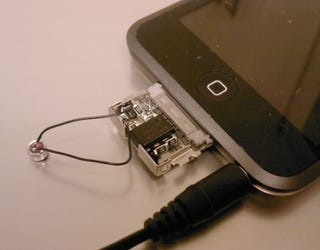 Illustration for article titled iPod touch Mic Dongle Looks Sexier Than Homemade