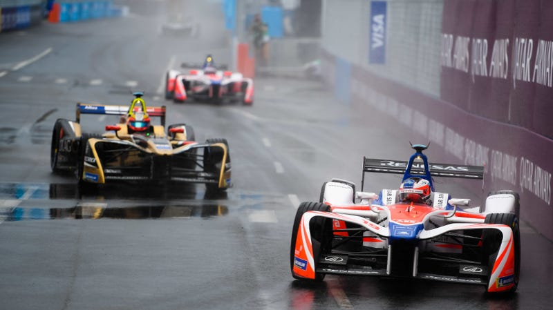 Illustration for article titled Formula E Storms A Wet New York City
