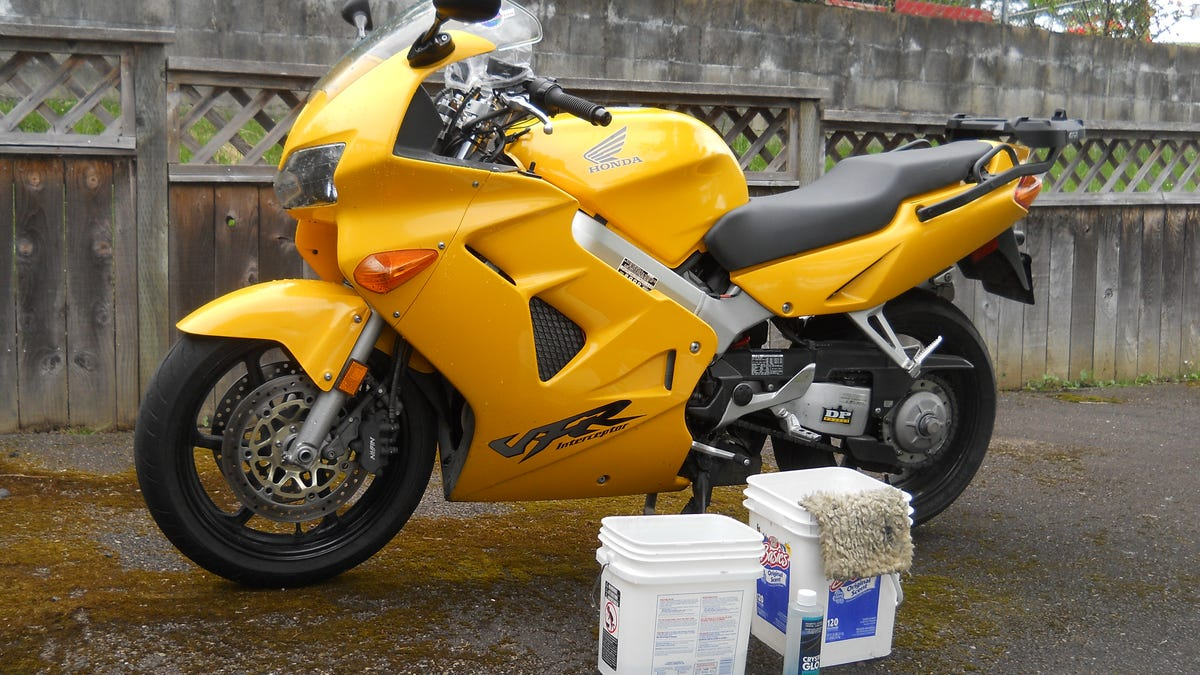 How To Get Your Motorcycle Ridiculously Clean For The Summer Bmw Wiring Harness Tape
