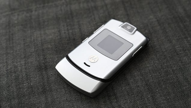 Motorola Reviving the Razr as a $1,500 Bendy Phone Is a Bad Idea, but I m Curious as Hell