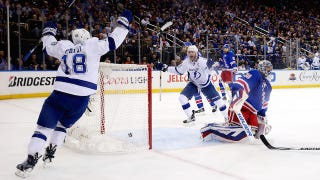 Illustration for article titled Lightning Shut Out Rangers In Game 5 To Take 3-2 Series Lead