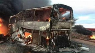 Terrible bus on truck Accident leaves 40 dead. /Video