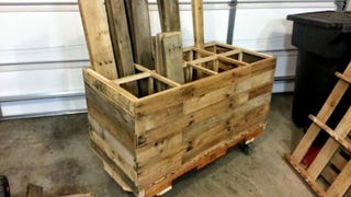 Illustration for article titled Build a Rolling Lumber Storage Cart from Pallets to Save Some Cash