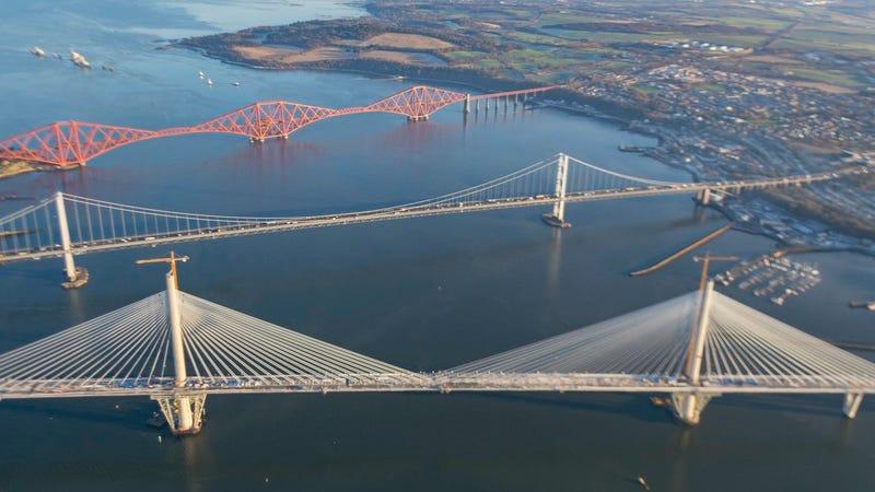 Cada uno de estos 3 puentes de Edimburgo se construyó en un siglo ...
