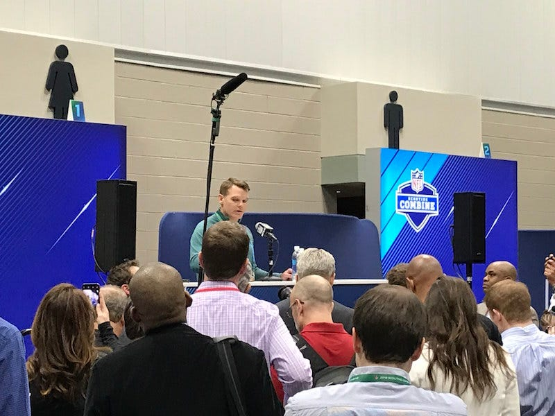 Illustration for article titled NFL Sets Up Combine Pressers In The Most Appropriate Spot