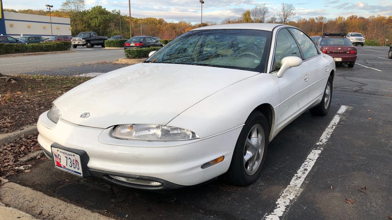 Illustration for article titled Front-Wheel Drive Into Luxury With An Oldsmobile Aurora