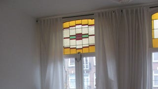 Illustration for article titled Use a Template to Hang Curtains Perfectly on Every Window