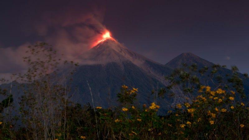 🌋 El volcán de Fuego ha vuelto a entrar en erupción