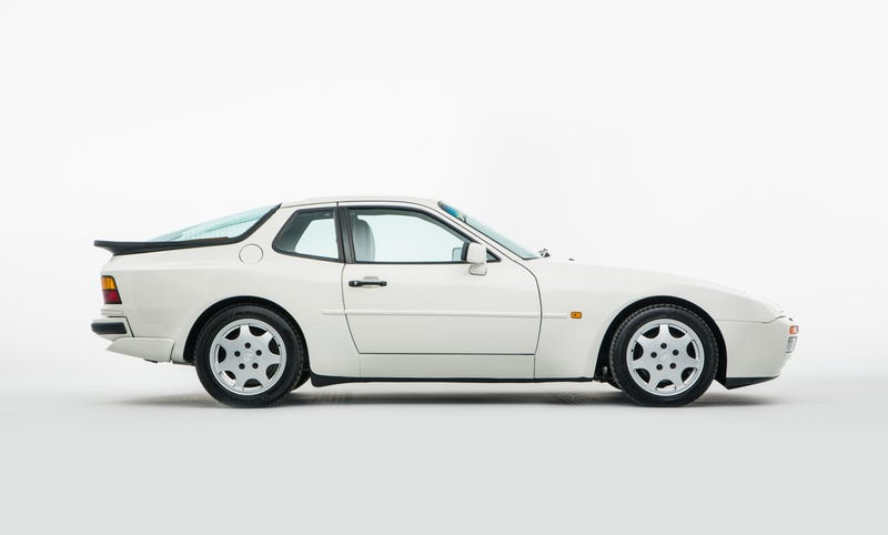 Illustration for article titled Tell Me About The Porsche 944...