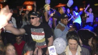 Illustration for article titled Here Are Some Photos Of J.J. Watt Bro-ing Down At The Club