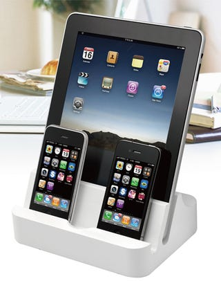 Illustration for article titled PhotoFast iPADock: Charge 2 iPads, 4 iPhones, or 6 iPod Nanos Simultaneously