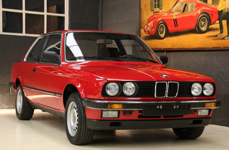 Illustration for article titled This Is What A 1985 BMW E30 Looks Like With Just 162 Miles On The Clock