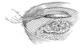 Illustration for article titled Cook Perfect Grilled Pizza with a Pie Tin
