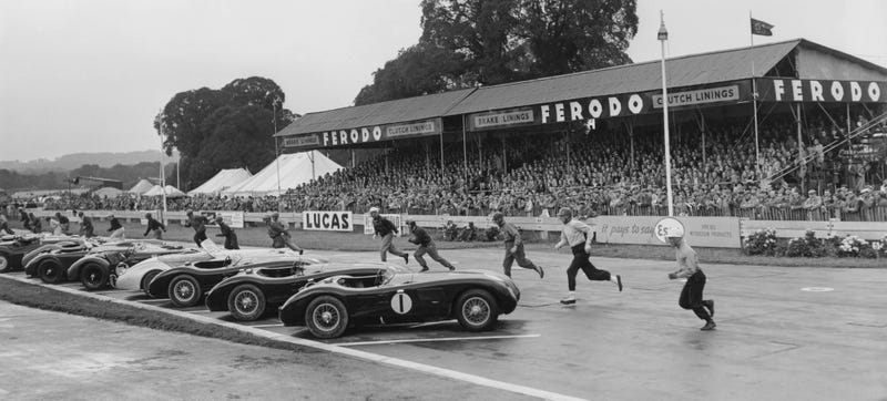 Illustration for article titled These Incredible Photos Show How Le Mans Evolved Over 84 Years