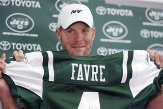 Illustration for article titled Favre-Packers Divorce Is Getting Downright Messy