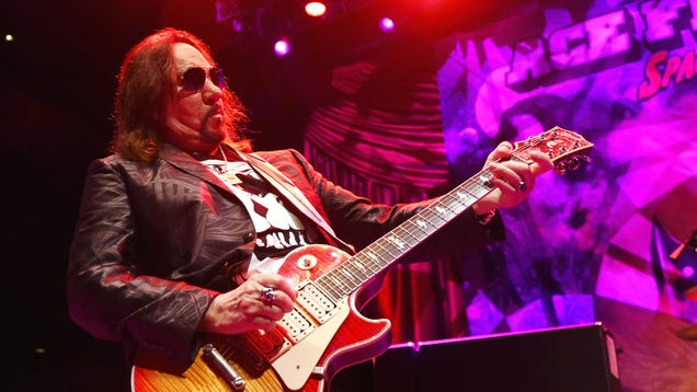 """Ace Frehley calls Gene Simmons """"an asshole and a sex addict,"""" is still down to rejoin KISS"""