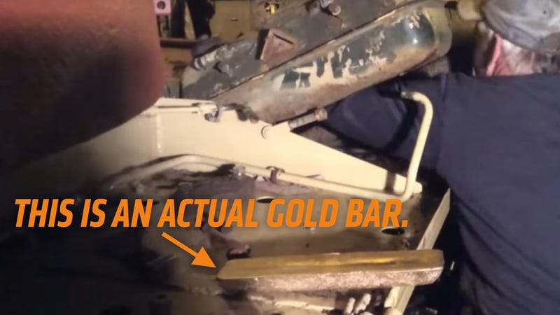 Illustration for article titled World's Luckiest Bastard Finds $2.5 Million In Gold In Ex-Iraqi Army Tank
