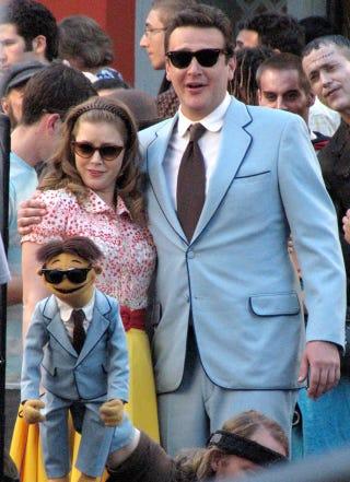 Illustration for article titled Amy Adams & Jason Segel Gawk At His Mini-Me