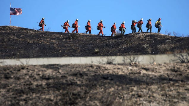 California Passes Law to Help Inmate Firefighters Pursue Professional Careers in the Field