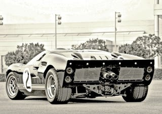 Illustration for article titled The Ford GT40: From Back When Exhaust Pipes Weren't Styled
