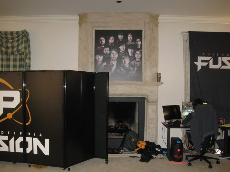 How Pro Gamers Live Now: Curfews, Personal Chefs, And All Of