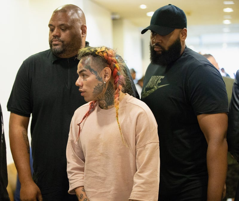 Illustration for article titled 'I'm About to Die': Tekashi 6ix9ine Chokes Up As He Recalls Being Beaten, Kidnapped By His Former Crew