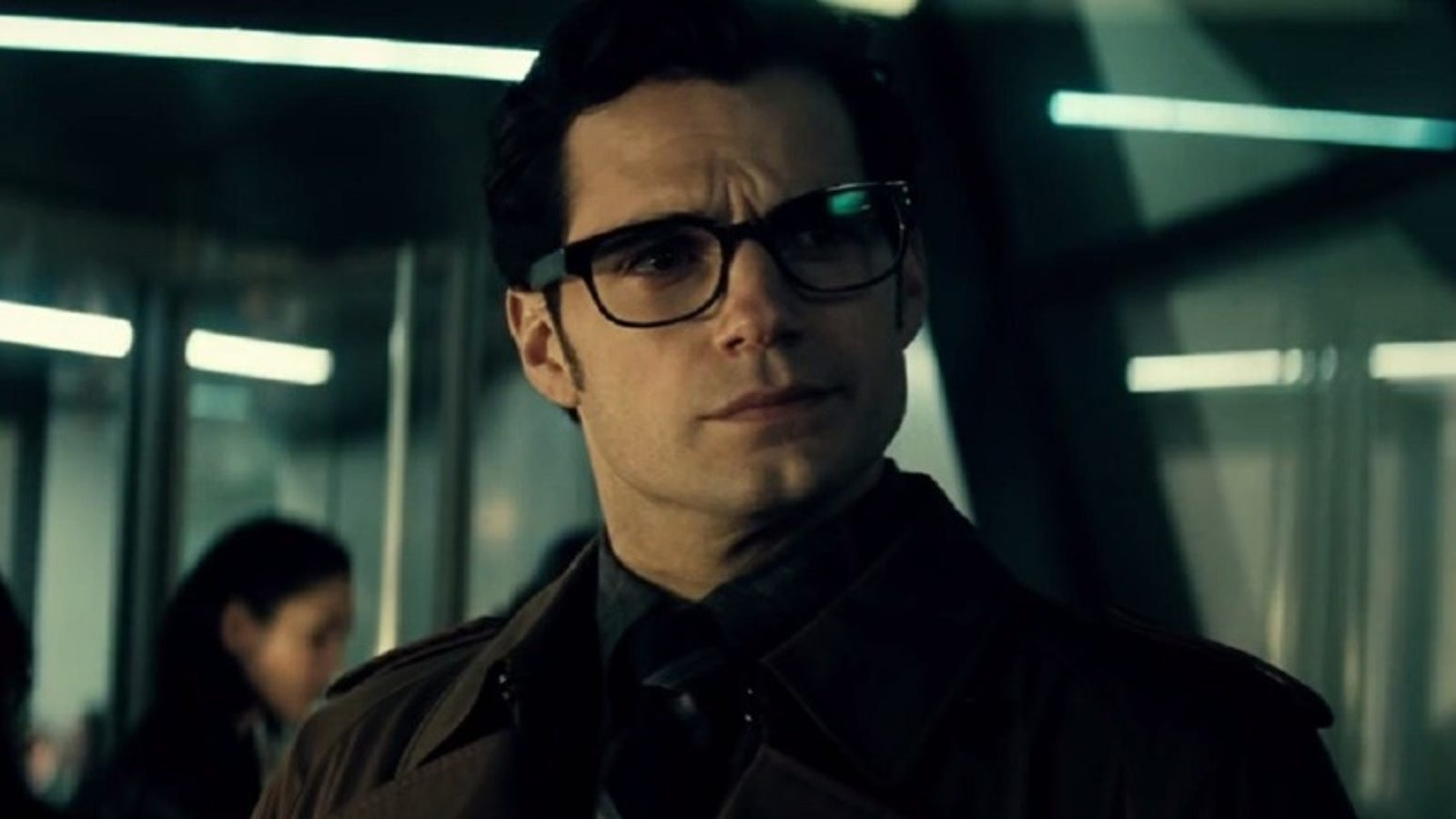 Why Superman's Lame Disguise Might Actually Work