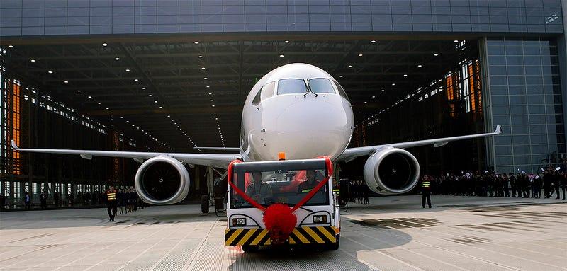 Illustration for article titled Así es el C919, el primer avión comercial de pasajeros hecho en China