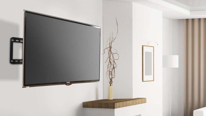 Soporte articulable Perlesmith para el televisor | $40 | Amazon | Usa el cóidgo UJQE85K9Foto: Amazon