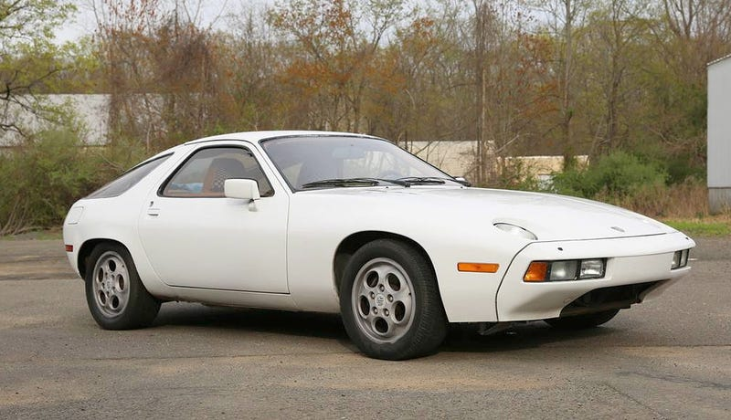 Illustration for article titled At $7,500, Could This 1978 Porsche 928 Have You Singing Wake Up Little Butzi?
