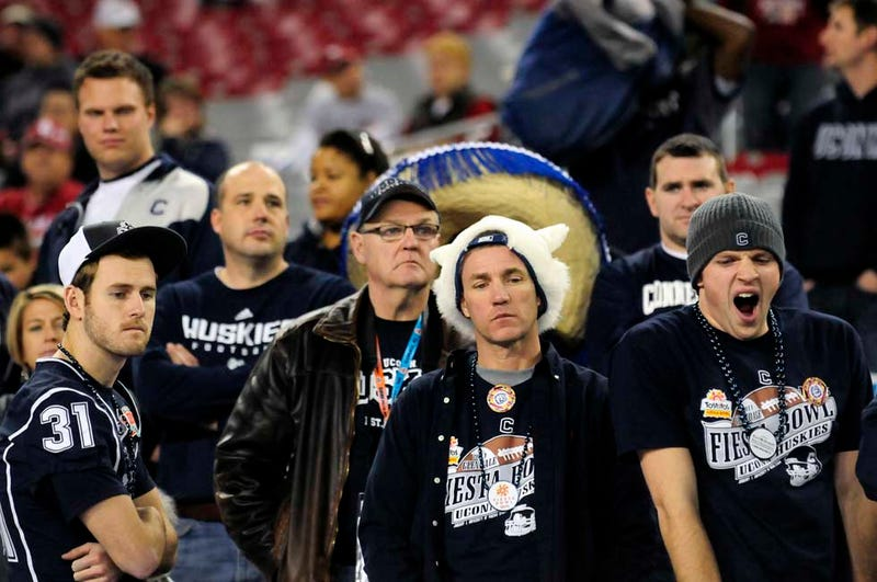 Illustration for article titled Moneybags Booster Didn't Cost UConn $2.9 Million, Nearly 15,000 Unsold Fiesta Bowl Tickets Did