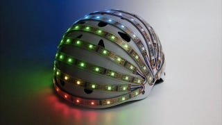 Illustration for article titled The LumaHelm Is a Bike Helmet That Acts Like Turn Signals