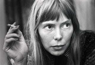 Illustration for article titled David Crosby: Joni Mitchell Had an Aneurysm, 'Is Not Speaking'