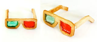 Illustration for article titled How To Make 3D Glasses Cookies