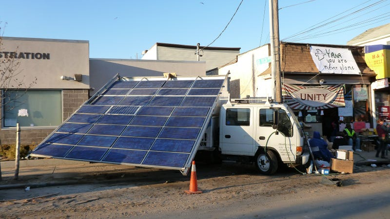 Illustration for article titled This Solar Truck Is Bringing Emergency Energy to Rockaway
