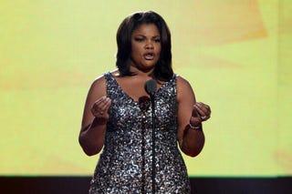 Academy Award-winning actress Mo'Nique announces 2011 Oscar nominations.