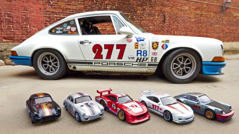 Illustration for article titled Hot Wheels New Series of Classic Porsches Were Customized by a Famous Tuner
