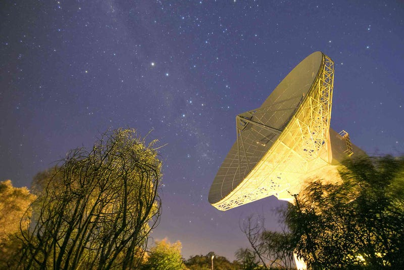 Illustration for article titled A Deep Space Antenna Looks Majestic Against the Night Sky