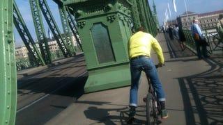 Illustration for article titled Megütött, megrúgott, leköpött, majd lesből rám támadt ez a biciklista
