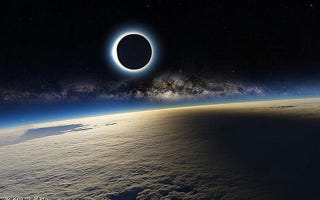 Illustration for article titled This Viral Photo Of Yesterday's Eclipse From Space Is Fake. Duh.