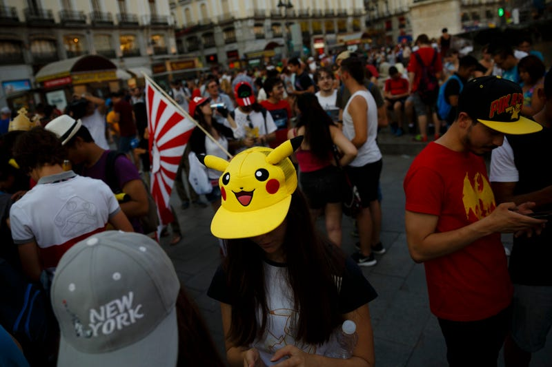 Quedada Pokémon en Sol, Madrid. Imagen: Daniel Ochoa de Olza (AP)