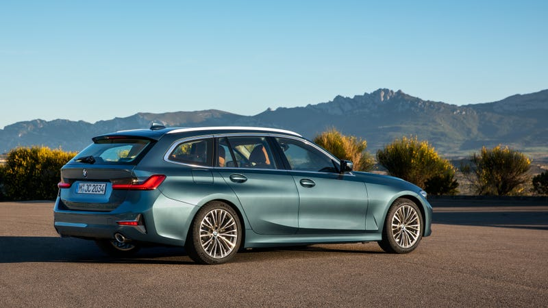 BMW Would Like You to Know About the 3 Series Wagon's Greatest Feature