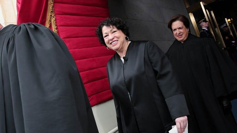 Illustration for article titled Justice Sotomayor Made the Other Supreme Court Justices Salsa Dance