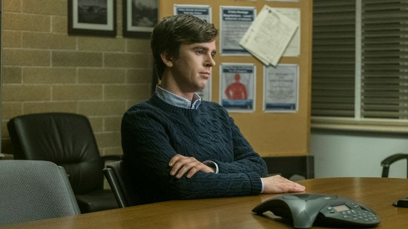 Freddie Highmore stars in Bates Motel (Photo: A&E Networks)