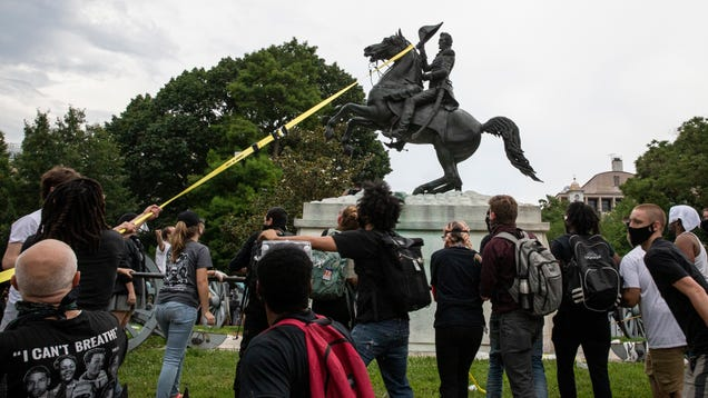 DHS Is Spying on Social Media to Track Threats to Statues