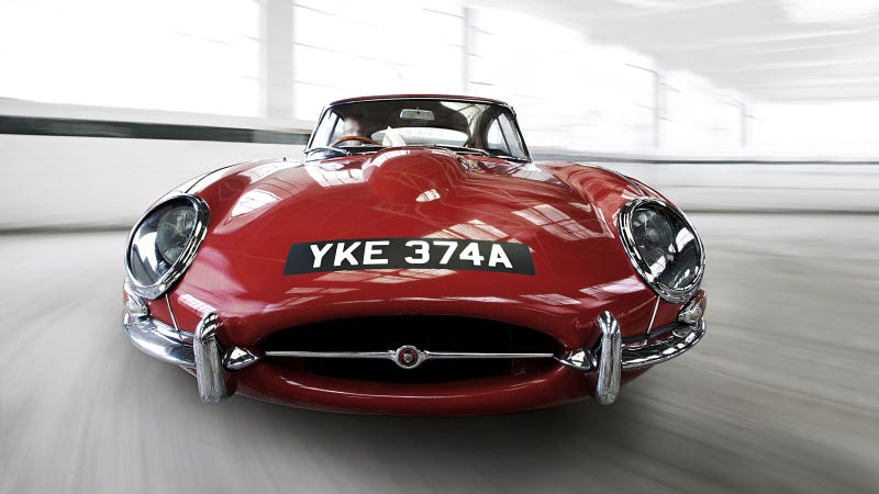 Illustration for article titled Your ridiculously cool Jaguar E-Type wallpaper is here
