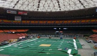 Illustration for article titled What The Astrodome Looks Like After Sitting Untouched And Rotting For A Decade